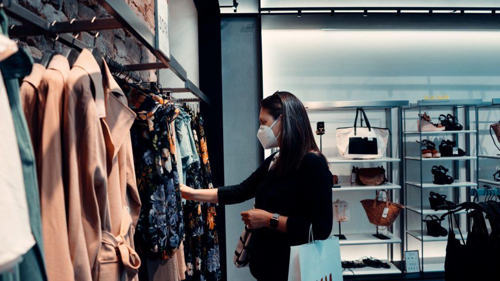 Shopper in mask